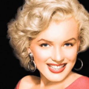marilyn monroe the blonde bombshell From jayne mansfield to anita ekberg and kim novak, blonde bombshells were falling in hollywood in the 1950s, mostly thanks to the one and only marilyn monroe bios of the classic blonde beauties.