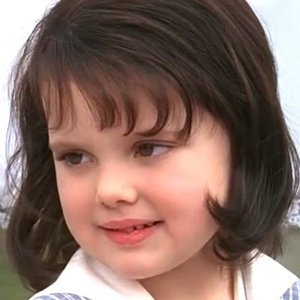 Darla From The Little Rascals Is Unrecognizably Gorgeous Now