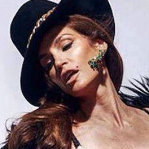 How Cindy Crawford Feels About That Unretouched Photo Leak Zergnet